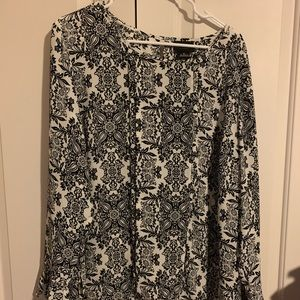 NWOT - Liz Claiborne Blouse with Bell Sleeves XL